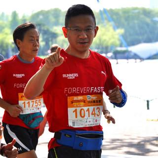 终点前100米 8:35 ~ 8:40 (相机比官方成绩慢5分钟)