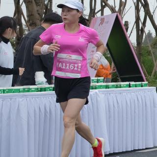 2019女子马拉松14号路口-2