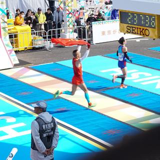 2016东京马拉松(终点处,精英选手冲线)