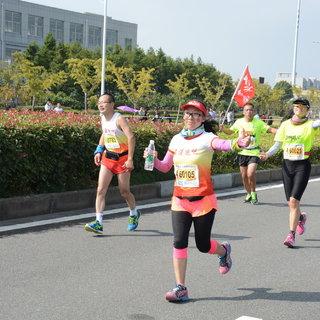2015宁波国际马拉松 王焕 10:13-10:23