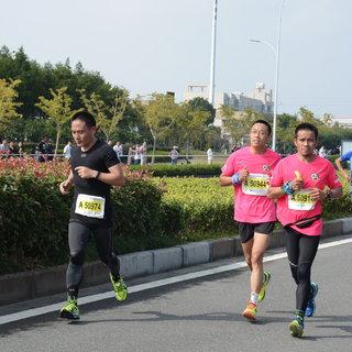 2015宁波国际马拉松 王焕 10:03-10:13