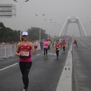 12公里终点前下桥8:24前-上海浦东国际女子半程马拉