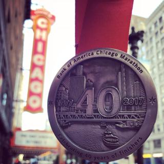 2017年芝加哥马拉松赛事奖牌(图片均来自官方脸书)