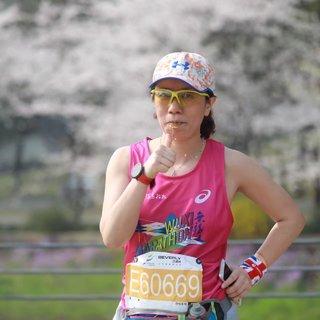 带着妈妈一起跑马拉松