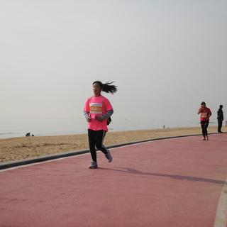 2018青岛西海岸新区国际半程马拉松赛
